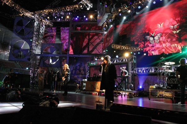Protective coverage for Ann and Nancy at Heart's VH1 Rock Honors in Las Vegas, NV